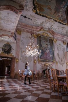 Beautiful Hotels, Beautiful Places, Beautiful Gowns, Places To Travel, Places To Visit, Salzburg Austria, Im So Fancy, Old Money, Night Aesthetic