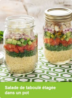 Salade de taboulé étagée dans un pot
