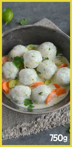 Cod dumplings with coconut milk and lime Boulettes de cabillaud au lait de coco et citron vert Cod dumplings with coconut milk and lime Slow Cooker Recipes, Crockpot Recipes, Healthy Cooking, Healthy Recipes, Asian Recipes, Ethnic Recipes, Exotic Food, Fish Dishes, Dumplings