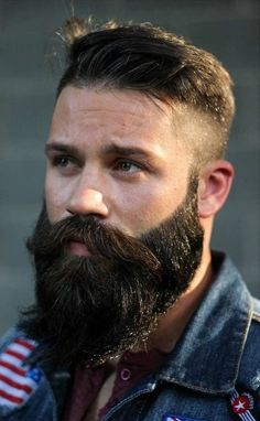 hair and beard styles Is a patchy beard attractive? How many of you think keeping long patchy beard has become a sign of money-saving nowadays? Beard Styles For Men, Hair And Beard Styles, Short Hair Styles, Beards And Hair, Facial Hair Styles, Great Beards, Awesome Beards, Patchy Beard, Beard Tips