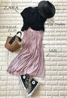 コンバースが2倍かわいく履ける!スニーカー映えするきれい色【高見えプチプラファッション #22】 | ファッション誌Marisol(マリソル) ONLINE 40代をもっとキレイに。女っぷり上々!