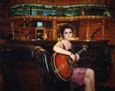 Dolores Cranberries, Instrument Music, Musical Instruments, Guitar Hero Game, Irish Rock, Dolores O'riordan, Famous Musicians, Personal Image, Rock Groups