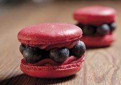 Macaron + Blueberry = <3