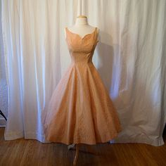 Gorgeous 1950's new look peach and blush pink lace party dress wedding formal pin up girl bride rockabilly