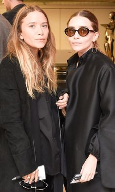 Mary Kate And Ashley Olsen Attend A CFDA Event In Sleek Black Looks