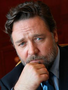 Russell Crowe - what a man, what a handsome face!