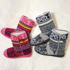 An easy pull-on style, this cheerful slipper bootie has a soft, cozy lining and a super-soft Memory Foam footbed.
