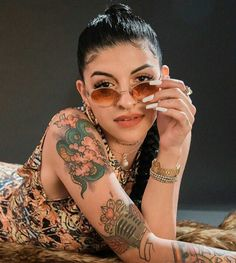 Cazzu cantante de trap Argentina Rick And Morty Poster, Trap Queen, Bad Girl Aesthetic, Quinceanera Dresses, Hair Inspiration, Rapper, Tatoos, Female, Model