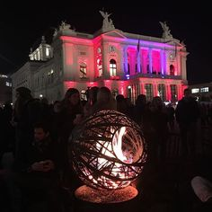 Instagram media by chrissy121212 - Fire pit and the colourful opera house in zurich. #zurich #switzerland #visitzurich #zhwelt #wienachtsdorf #switzerland #christmasmarket #inlovewithswitzerland #fire #firepit #cold #turichbynight #evening #dark #colourful #operahousezurich #illuminated #igers