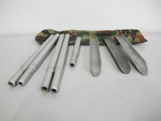 Zeltpflöcke in Tasche Swiss Army, Measuring Spoons, Army, Tent Camping, Catalog, Measuring Cups