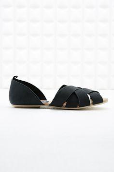 Deena & Ozzy Java Lattice Flat Sandals in Black - Urban Outfitters