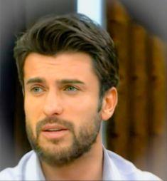 Turkish Men, Turkish Beauty, Turkish Actors, Netflix, Famous Warriors, Most Handsome Men, Best Series, Beautiful Smile, Actors & Actresses