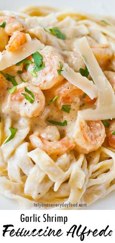 Shrimp Fettuccine Alfredo (video) - Tatyanas Everyday Food Shrimp Fettuccine Alfredo, Tatyana's Everyday Food, Noodle Recipes, Tasty Dishes, Food Videos, Pasta Salad, Seafood, Food And Drink, Cooking Recipes