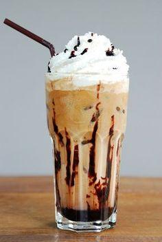 Receita de Café Gelado e Creme de Café. Duas receitinhas especiais com café. Um presente para apreciadores de café.