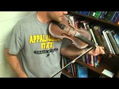 Cajun fiddle lesson..SO gonna learn this!