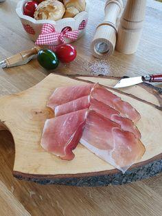 Wir lieben die Jause; wir leben Tradition Dairy, Cheese, Food, Schnapps, Boards, Rustic, Life, Gifts, Eten