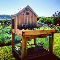 Cute little coop/herb garden ~ Saltbox Designs