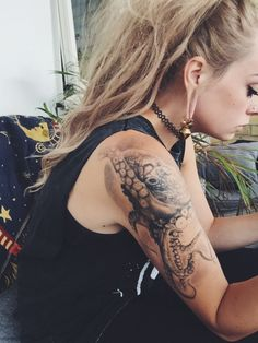 Attractive Shoulder Octopus Tattoos For Women