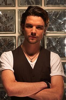 Andrew Lee Potts...how can you not be in love with that face? He's GORGEOUS!