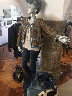 #steffenschraut Elegant, Louis Vuitton Speedy Bag, Modern, Women Wear, Tops, Fashion, Fur, Sporty, Guys