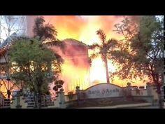 Kebakaran bank aceh - YouTube