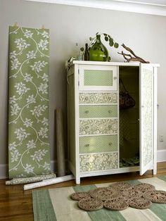 Renovação de móveis com papel contact.