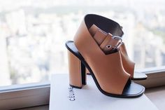 The chunky heel with camel leather make these Celine sandals a must to have in my closet. Although I need to find a less expensive alternative.