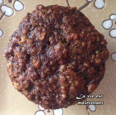 Ces muffins sont moelleux, goûteux et très santé. On peut les déguster tant au déjeuner qu'en collation ou au dessert. Ils contiennent très peu de gras et de sucre. Ce sont les dattes et le sir... Healthy Breakfast Snacks, Clean Eating Breakfast, Healthy Muffins, Healthy Desserts, Muffin Recipes, Cookie Recipes, Dessert Recipes, Dinner Recipes, Baking Muffins
