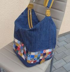 Patchwork Bags Quilted Bag Diy Bags Patterns Jean Purses Purses And Bags Fabric Bags Denim Fabric Bolsas Jeans Nine Patch Patchwork Bags, Quilted Bag, Jean Purses, Purses And Bags, Diy Bags Patterns, Custom Purses, Denim Ideas, Denim Crafts, Recycle Jeans
