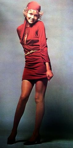 Susan Blakely in a tunic dress by Christian Dior. Photo by Jeanloup Sieff. Vogue Paris September 1969