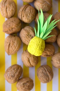 Ahh, the sweet taste of pineapple! Are you loving the pineapple motif trend as much as we are? We're sharing four of our fave ways to DIY this funky fruit! Festa Party, Luau Party, Cute Crafts, Diy And Crafts, Walnut Shell Crafts, Diy Party Dekoration, Diy For Kids, Crafts For Kids, Diy Girlande