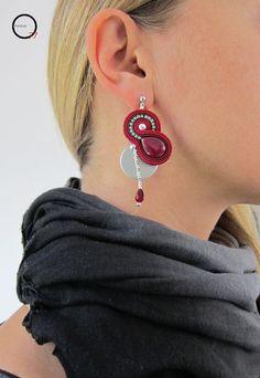 """Indossati, orecchini soutache """"Luna rossa"""". Design Giada Zampar -Opificio77-"""