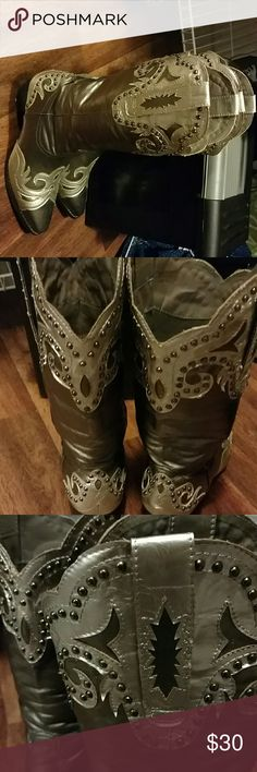 Cowgirl boots Super cute Silver Tone on tone boots. Dark grey with light grey. Worn once to a Luke Bryan concert. A little too small for me but probably perfect for you. Reasonable offers accepted. Boots have a small area of peeling but not very noticeable. Thanks in advance. 😊 Via Veneto Shoes Heeled Boots