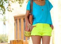 neon outfit,