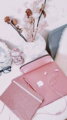 Rose gold rose gold aesthetic, gold everything, pink themes, pink Pink Love, Pretty In Pink, Things To Buy, Girly Things, Rose Gold Aesthetic, Mode Kawaii, Lunette Style, Mode Rose, Gold Everything