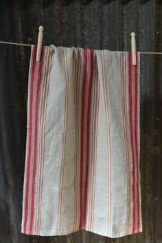 A long, linen rich cloth, woven in fine herringbone pattern and stripes.  Manufactured in India and imported by Masquerade Made from linen/cotton blend Size: 45cm x 80cm