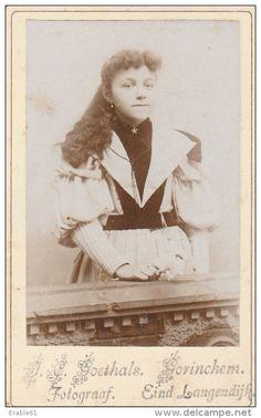 Foto (CDV) meisje door J.C. Goethals - Gorinchem