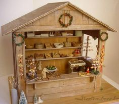 Christmas market chalet.  Miniatures and dolls houses: cart