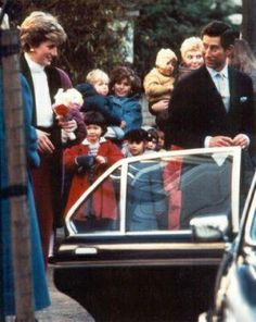 1986-12-10 Diana and Charles leave Jane Mynors Nursery School in Notting Hill, after attending William's Nativity Play