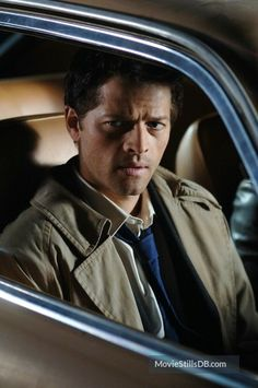 A gallery of Supernatural publicity stills and other photos. Featuring Jensen Ackles, Jared Padalecki, Misha Collins, Jim Beaver and others. Winchester, Castiel Angel, Kill Your Darlings, My Guardian Angel, Supernatural Fandom, Supernatural Crafts, Supernatural Bunker, Supernatural Pictures, Jared Padalecki