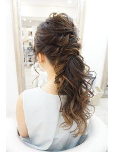 #weddinghair #ウェディングヘアアレンジ ゆるふわローポニーテール/カット&ヘアセット ZIP 【ジップ】恵比寿をご紹介。2017年秋の最新ヘアスタイルを100万点以上掲載!ミディアム、ショート、ボブなど豊富な条件でヘアスタイル・髪型・アレンジをチェック。
