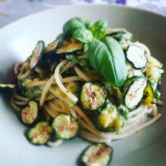 #Spaghetti alle #zucchine #pasta #nerano #soulfood #foodpornlight #comfortfood #dietasana #ondiet #cucinarecongusto #cucinaitaliana #cucinalight #adietamacongusto #instagood #instafood #foodstagram #goodstagram #foodblogger #foodlover #foodie #food😍