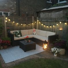 Small garden / Corner Rattan Garden Furniture / Festoons - All About Corner Garden Seating, Corner Patio Ideas, Small Garden Corner, Small Back Gardens, Garden Nook, Diy Garden, Small Patio, Small Garden Ideas Seating, Garden Seating Areas