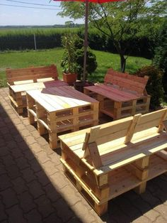 Wood pallet patio furniture ideas.