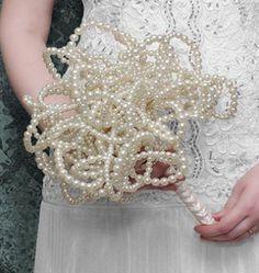http://www.beadshop.com.br/?utm_source=pinterest&utm_medium=pint&partner=pin13 - buque de noivas de perolas  Unique pearl wedding bouquet