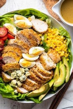 Crispy Chicken Salads, Breaded Chicken, Pcos, Recipe Using Hard Boiled Eggs, Salad Recipes, Healthy Recipes, Healthy Food, Healthy Dishes, Healthy Salads