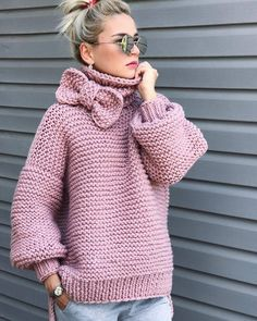 Boho Knit Pink Sweater Chunky sweater, turtlenwck sweater, bohemian style knit fashion Always wanted to learn how to knit, nonetheless not cert. Crochet Coat, Crochet Clothes, Crochet Cardigan, Cardigan Pattern, Knit Fashion, Girl Fashion, Baby Knitting, Knitwear, Knitting Patterns