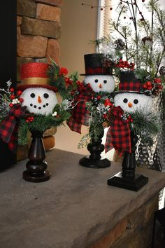 Snowman Christmas Decorations, Christmas Ornament Crafts, Christmas Centerpieces, Diy Christmas Gifts, Christmas Snowman, Rustic Christmas, Christmas Projects, Holiday Crafts, Christmas Wreaths