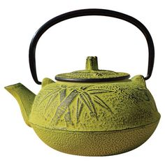 Cast iron tetsubin teapot with bamboo motif.   Product: TeapotConstruction Material: Cast ironColor: ...