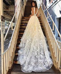 e60be61125c8f55 Лучших изображений доски «Свадебные платья»: 10 в 2019 г.